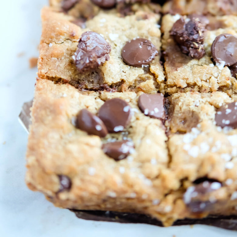 chocolate chip cookie butter blondies